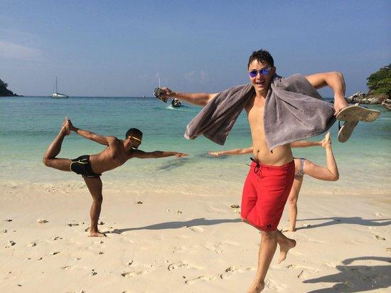 Phuket Cleanse: Photo bomb!