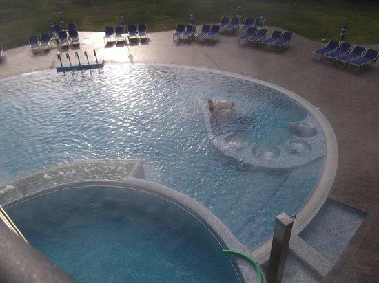 Piscina all 39 aperto foto di sardegna grand hotel terme fordongianus tripadvisor - Hotel con piscine termali all aperto ...