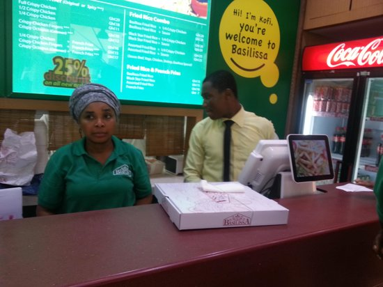 Barcelos : Manager with plenty staff not helping customers