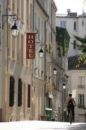 Hotel du Roussillon : La rue piètonne
