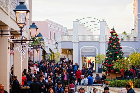 Weekend sui saldi outlet al Village - Picture of Sicilia Outlet ...