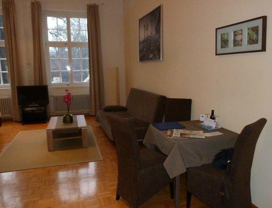 Apartment Hotel Konstanz: Zimmer sehr groß