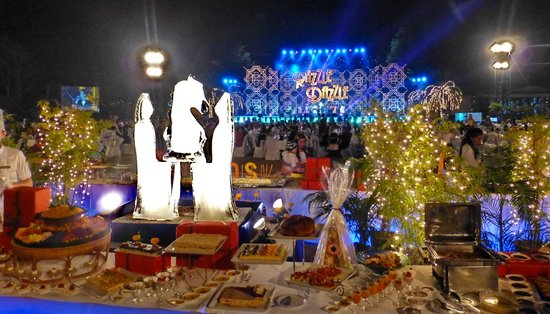Dusit Thani Hua Hin: New Year 2014 spectacular food and entertainment