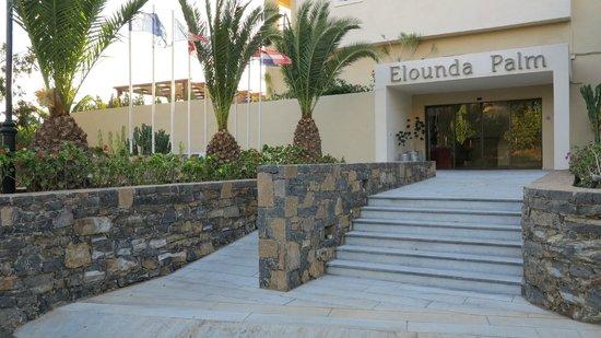 Elounda Palm Hotel: Entrée de l'hôtel