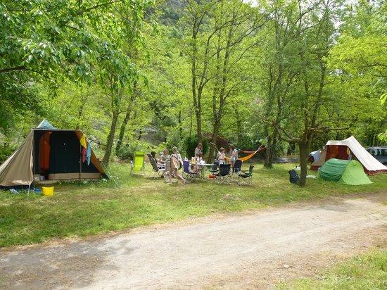 Camping La Turelure : Emplacement XXL