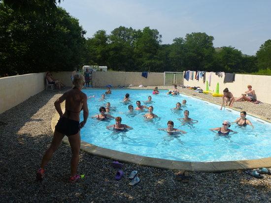 Camping La Turelure : Aquagym en juillet et août