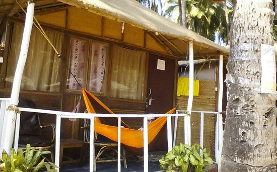 The Nest : beach hut number 2