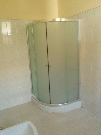 Serendib Guest House: La doccia