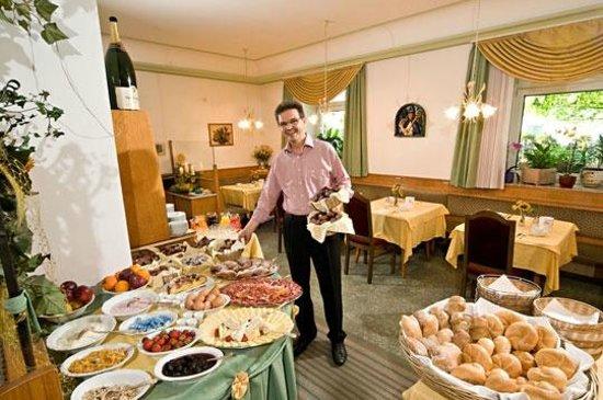 Hotel Restaurant Hirschen: Prima colazione