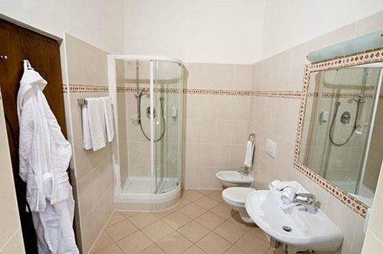 Hotel Restaurant Hirschen: Bagno e doccia