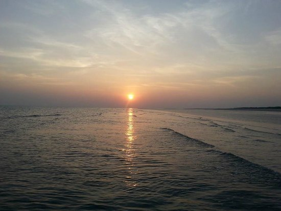 The Beach at Mandavi Palace: One of the most gorgeous sunsets on a beach!