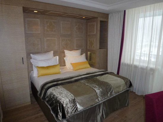Hotel Mont-Blanc : Bedroom (Superior Room)