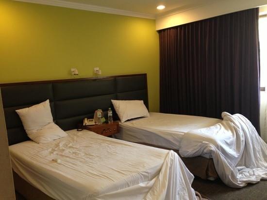 Narai Hotel: twin bed