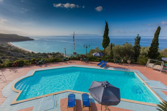 Garbis Villas & Apartments: pool