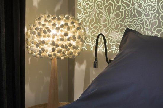 Hotel Chavanel : détail tête de lit / bed head detail