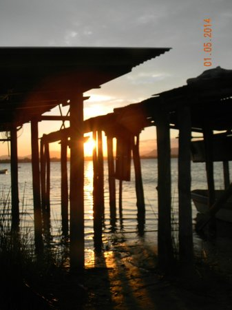 Ibiraquera Lake: Atardecer en  Laguna de Abaixo