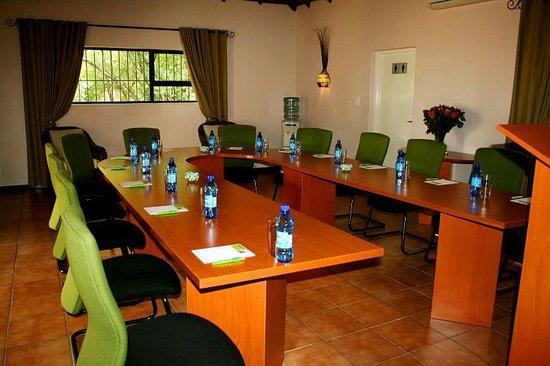 Protea Ridge Guest Cottages & Conference Centre: Natalie Conference Room