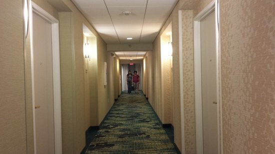 SpringHill Suites Flagstaff: sisters heading to our room