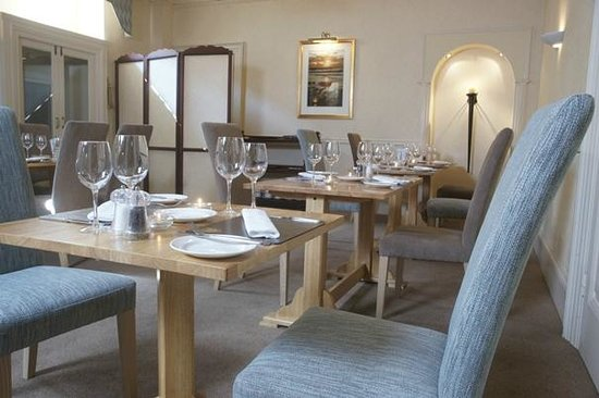 Wolfscastle Country Hotel: Dining Room