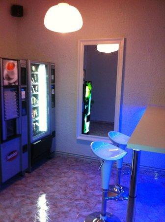 Pension Solarium: Vending Machines
