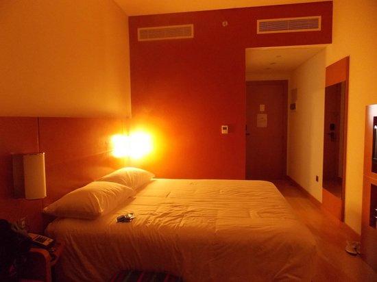 Ibis Abu Dhabi Gate: our room