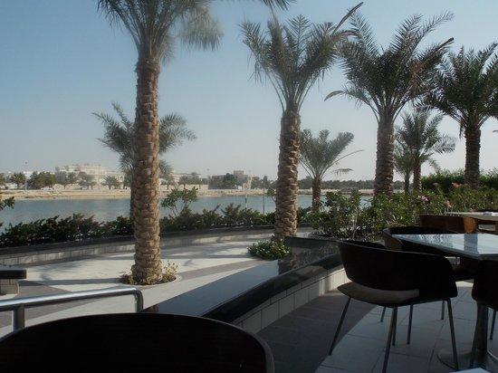 Ibis Abu Dhabi Gate : the beach