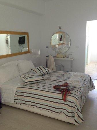 Rocabella Santorini Resort & Spa: Студия, действительно небольшая
