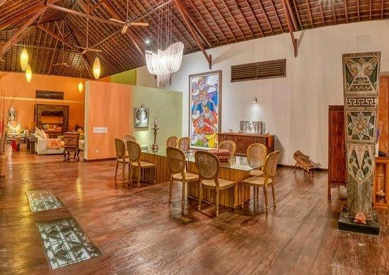 Lautan Kupu - Kupu Villas: dining room