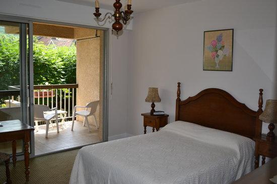 Hôtel de France : chambre jardin