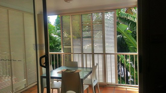 Port Douglas Apartments : Private balcony