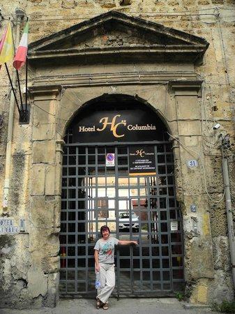 Hotel Columbia Palermo: Служебный вход