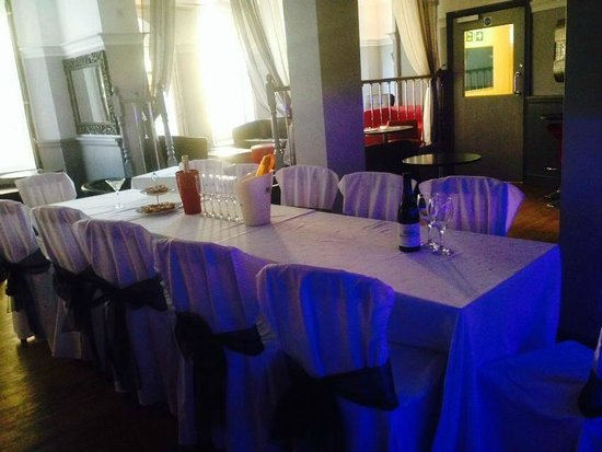 CuBar Brighton: Function seating - Dressed Table