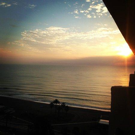 Marconfort Beach Club Hotel : Zij zeezicht vanuit kamer 1023