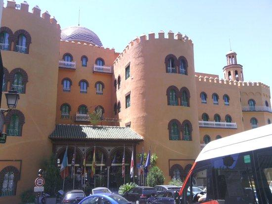 Hotel Alhambra Palace: Preciosa fachada