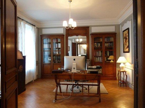 Bureau picture of chambres d hotes cote parc cote jardin nevers