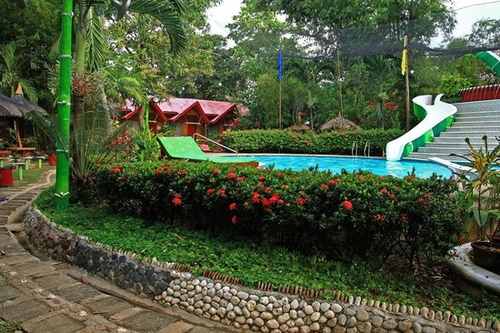 Kawayanan Resort: Overlooking the pool