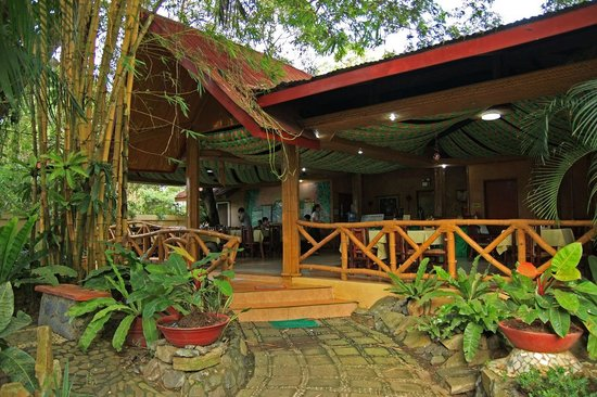 Kawayanan Resort: Reception and dining area