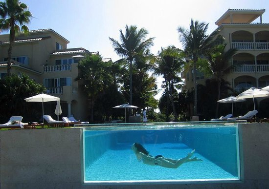 Grace Bay Club: The adult pool