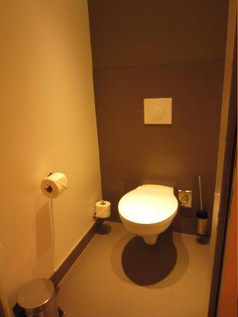 Hotel AMANO : toilet