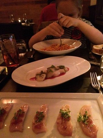 Scarpetta : Tuna, scallops, and pasta expertly twirled!