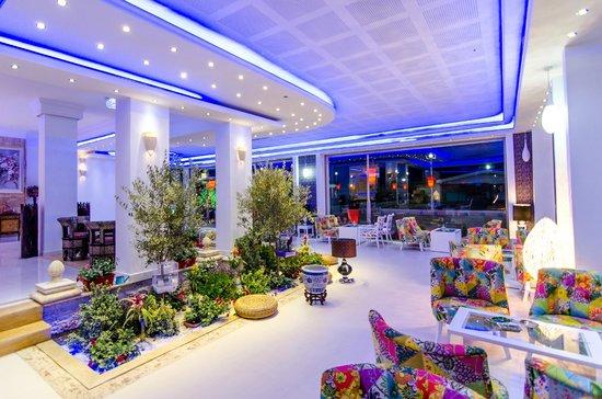 Lobby Bar Picture Of Phoenicia Luxury Hotel Constanta Tripadvisor