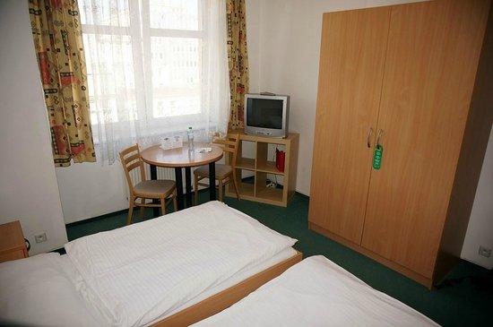 Extol Inn: Zweibettzimmer