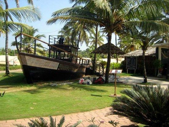 The Zuri White Sands Goa Resort & Casino: beach shack