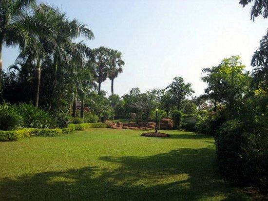 The Zuri White Sands Goa Resort & Casino: open area outside confrence hall