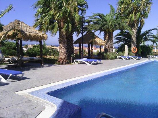 El Cortijo de Zahara: Vista de la piscina