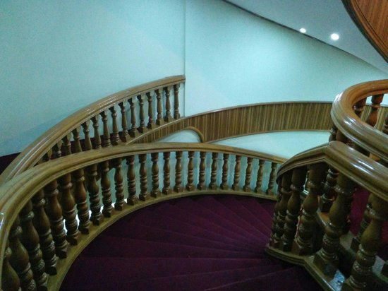 Hotel Chindwin : staircase