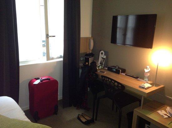 BEST WESTERN Hotel Faubourg Saint-Martin : Room