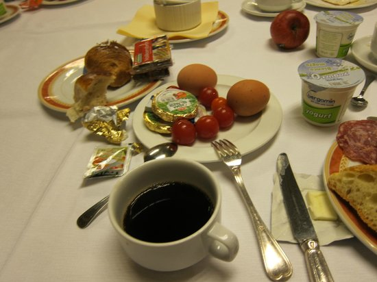 Astoria Palace Hotel: アストリア パレス ホテル・・・朝食レストラン