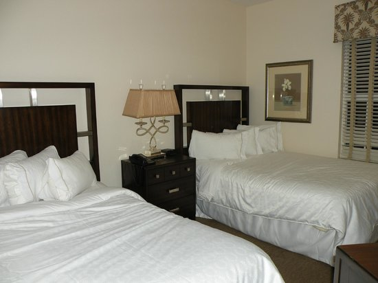 Sheraton Vistana Resort Villas- Lake Buena Vista : 2nd bedroom has attached full bath.