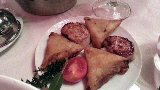 Sofitel Fes Palais Jamai: French Restauratn - condiments for Brocolli Soup